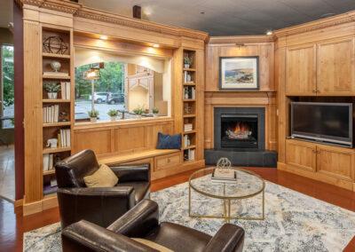 Fireplace/Entertainment Center